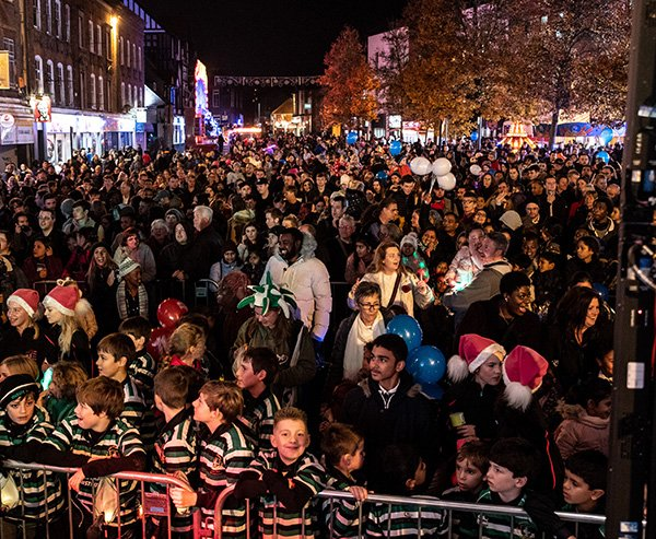 Crowds at HWBIDCo Christmas Light Switch-On 2018